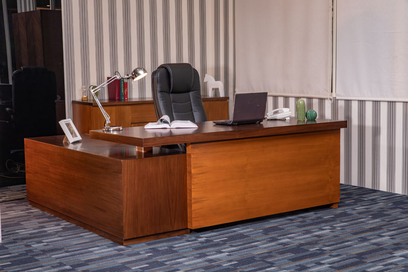Managerial Office Desk and Chairs